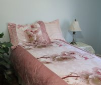 Pink Blossom Crocodile Brocade Linen Set - 600-Thread Count